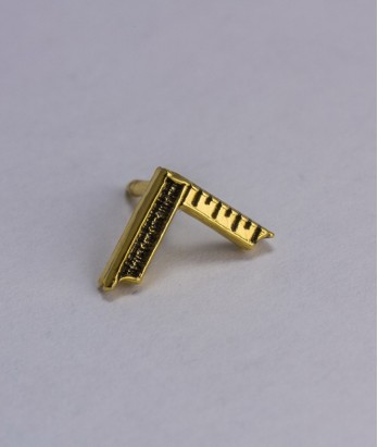 Pin masonic - Echer Maestru Venerabil (var. 1)